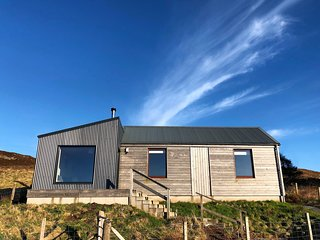 Cnoc Ard Self Catering cottage with stunning views. Isle of Skye
