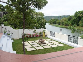 Casa Marina Bed and Breakfast Pagsanjan Family Room for 8 with Breakfast