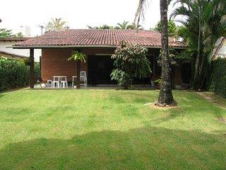 Riviera - Linda casa pertinho da praia-3 dormitórios (1 suíte)-3 banheiros-Mód.4