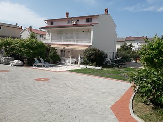 - The house Perkic - RAB  max.17 persons