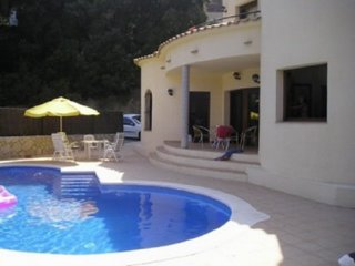 COSTA BRAVA. Detached house in Sa Riera-Begur. 156