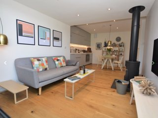 Little Spinney. Contemporary studio in Lyme Regis