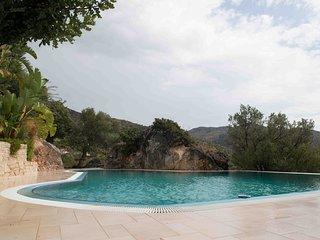 eigenstandige Luxus Ferienwohnung mit Pool, strandnah, Anidri Beach, Meerblick