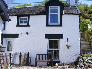TwoStones 19th Century Highland Cottage
