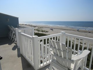 'Ocean Cove' Ocean Front condo-walk to everyting!