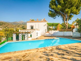 2 bedroom Villa with Air Con, WiFi and Walk to Beach & Shops - 5334311