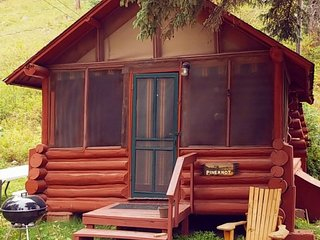 Pineknot Cabin in Spearfish Canyon