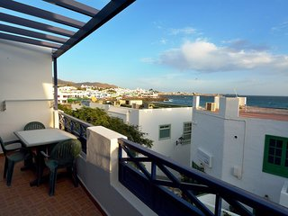 Apartment in central Playa Blanca, Calle Limones with Sea Views