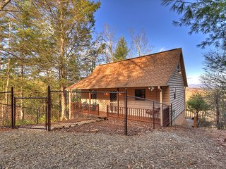 Appalachian Vista is a romantic and secluded cabin with an amazing view