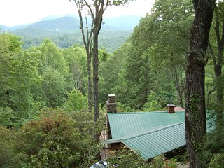 Gone Fishin  /  Lake Toxaway, NC- Western Carolina Land of Waterfalls, Pet  OK