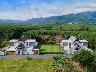 10 BR Complex in Bang Tao Beach - Picasso Villas