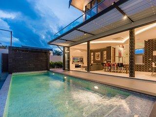 Luxury Villa with Football Field at Bang Tao Beach - Villa Pablo 5BR