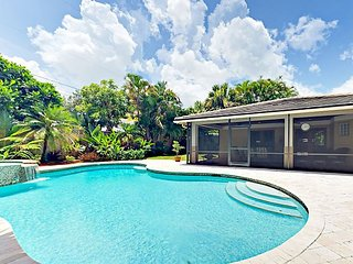 Tropical Getaway 3BR w/ Screened Porch & Pool, Near Juno Beach Pier
