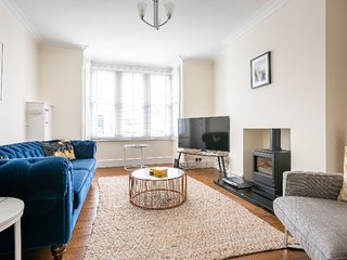 Canary Way - Four Bed Home in Summertown