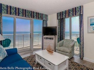 luxury  wrap around balconies 2 Bedroom/2 Bath Ocean Front Condo At Bay Watch