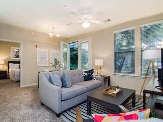 Heart Of Downtown Memphis! Sleeps 6!