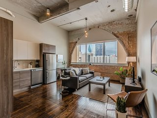 Visit Dallas from a Spacious 1-Bedroom Loft!