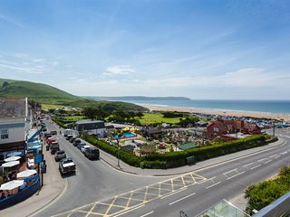 3 bed apartment with balcony and far reaching views   Byron at Woolacombe Bay