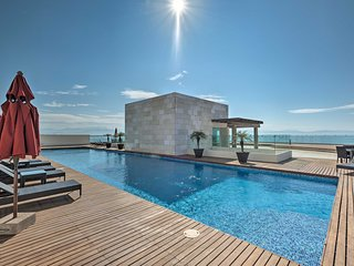 NEW! Coastal Mexico Penthouse-Views & Rooftop Pool