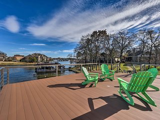 NEW! Waterfront House w/Decks on Cedar Creek Lake!