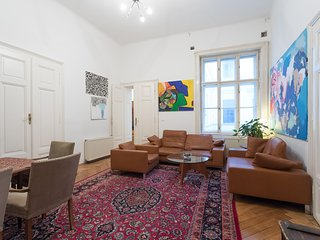 4 Bedroom Apartment City Center