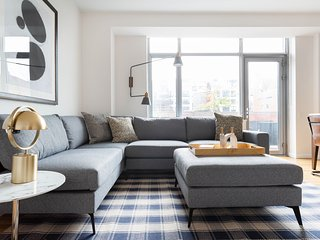 Sophisticated 2BR in Chelsea by Sonder