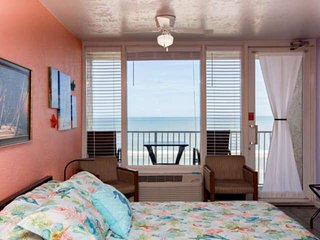 NEW-Exciting-Couples Getaway in Direct Ocean Front-Newly Updated-5th Floor Studi