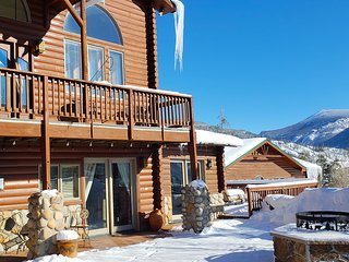 JUST LISTED! Grand Lake Lodge Home.Sleeps 20, Occassions to 75.Winter/Summer Fun