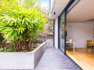 STUNNING 2BDR South Yarra Apt - Close to River