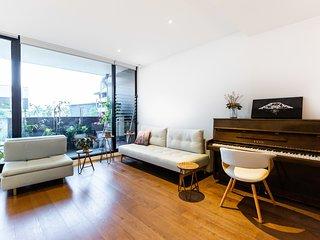 Taledo, St Kilda Designer 1BDR Apartment close to St Kilda Beach