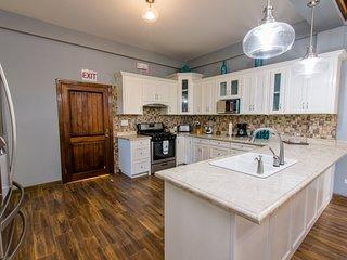 KhalKob's 3 Bedroom Apartment