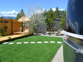 Airstream Glamping at the Poolside Retreat