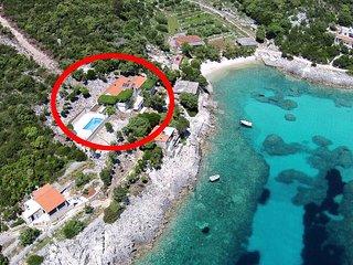 Two bedroom apartment Cove Rasohatica (Korčula) (A-9699-a)