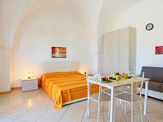 Cosy studio in Castrignano del Capo with Parking, Washing machine, Air condition