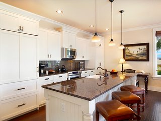 Spacious chef's kitchen, fully stocked, sub-zero refrigerator