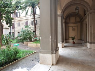 Roma Holiday Apartment 25745