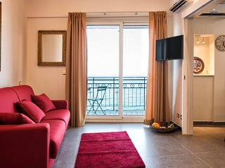Spacious apartment in the center of Giardini Naxos with Internet, Washing machin