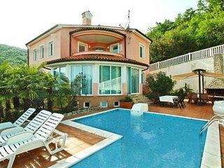Ferienhaus 4609-1 für 10 Pers. in Opatija