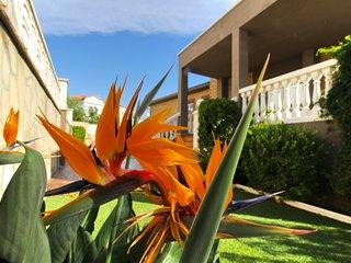 FLANDES Villa piscina jardín privado, Wifi gratis