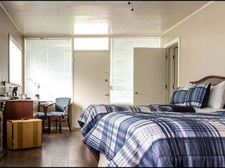 3 Bedroom / 3 Bath Near Silver Dollar City Sleeps 10