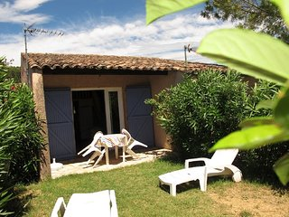 Location, piscine,animaux acceptes,jardin, parking, wifi