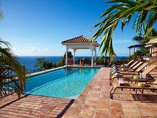 Villa Panache: Huge 6 Bedroom Villa! Sleeps 14! Full AC!