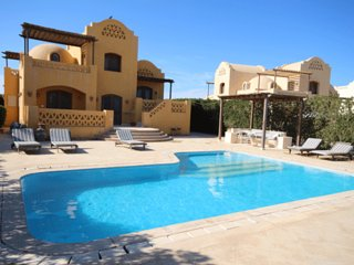 Beautiful 3 Bedroom Villa on Lagoon with Heated Private Pool
