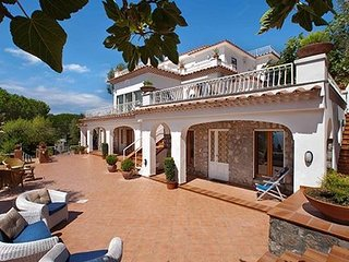 Pontone Villa Sleeps 20 with Pool Air Con and WiFi - 5737747