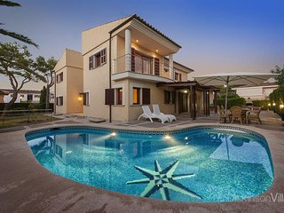 4 bedroom Villa in Port d'Alcudia, Balearic Islands, Spain - 5736708