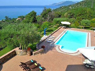 Cammaresano-Villano Villa Sleeps 14 with Pool Air Con and WiFi - 5684612