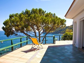 Nerano Villa Sleeps 14 with Pool Air Con and WiFi - 5737731