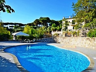 6 bedroom Villa in Sant'Agata sui Due Golfi, Campania, Italy : ref 5737736