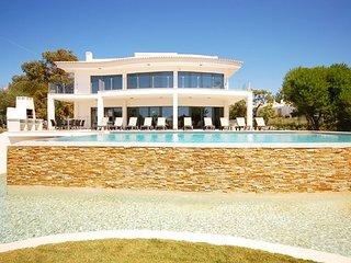 5 bedroom Villa in Galé de Cima, Faro, Portugal : ref 5721075
