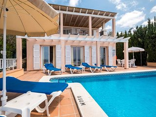 3 bedroom Villa with Pool, Air Con and WiFi - 5737799